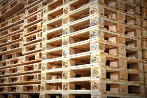 Lo shortage di legname colpisce la logistica
