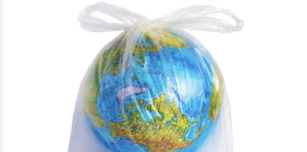 Plastic Tax rinviata al 2022: può un'imposta salvare il mondo?